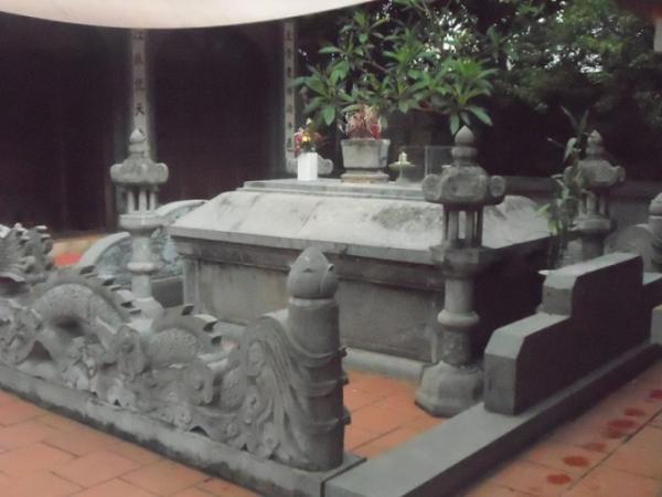 Lăng mộ Đức Thánh Trần trong Khu di tích lịch sử quốc gia Đền Bảo Lộc (Nam Định).
